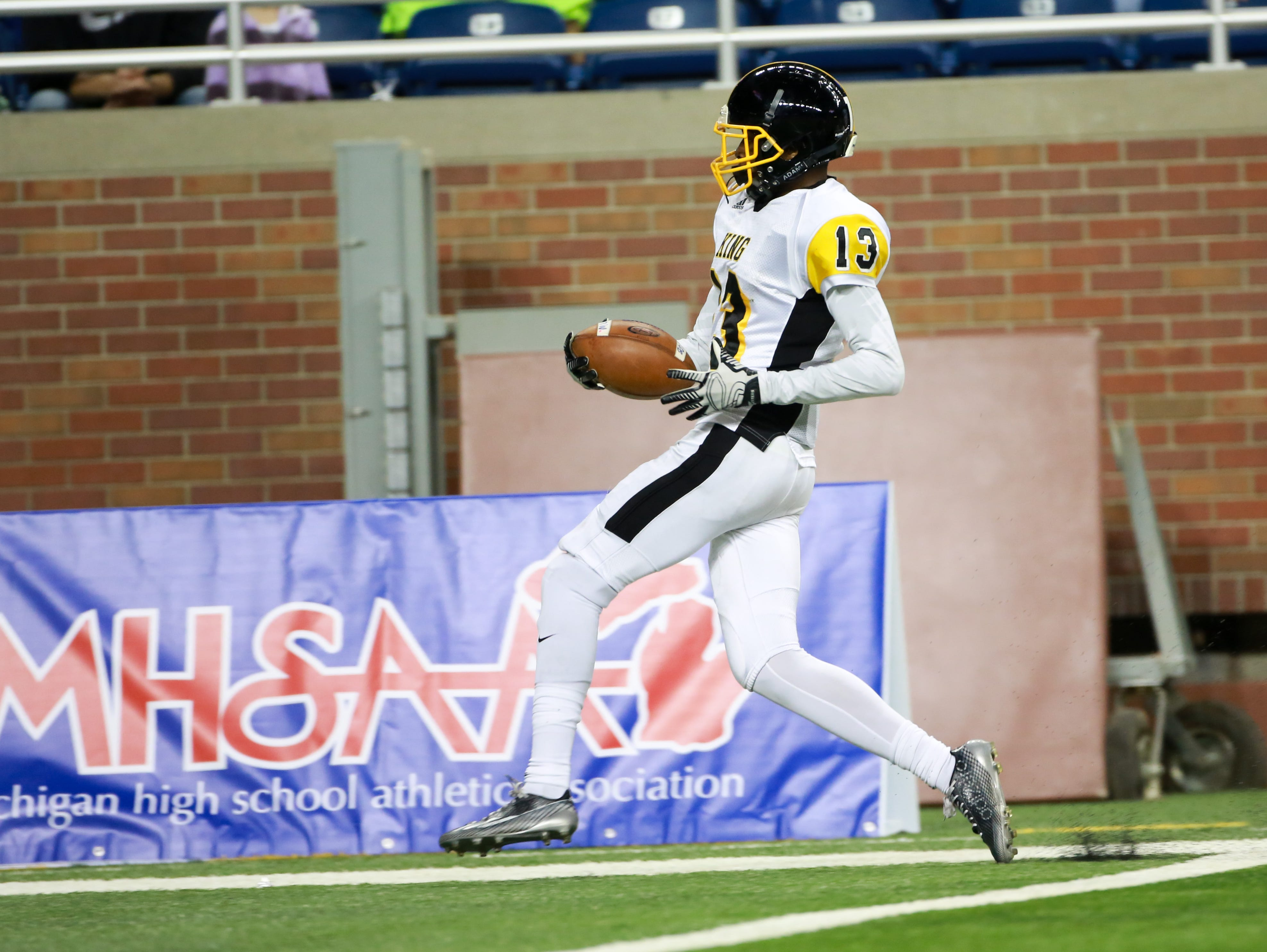 Football recruits in detroit and new jersey usa today high school
