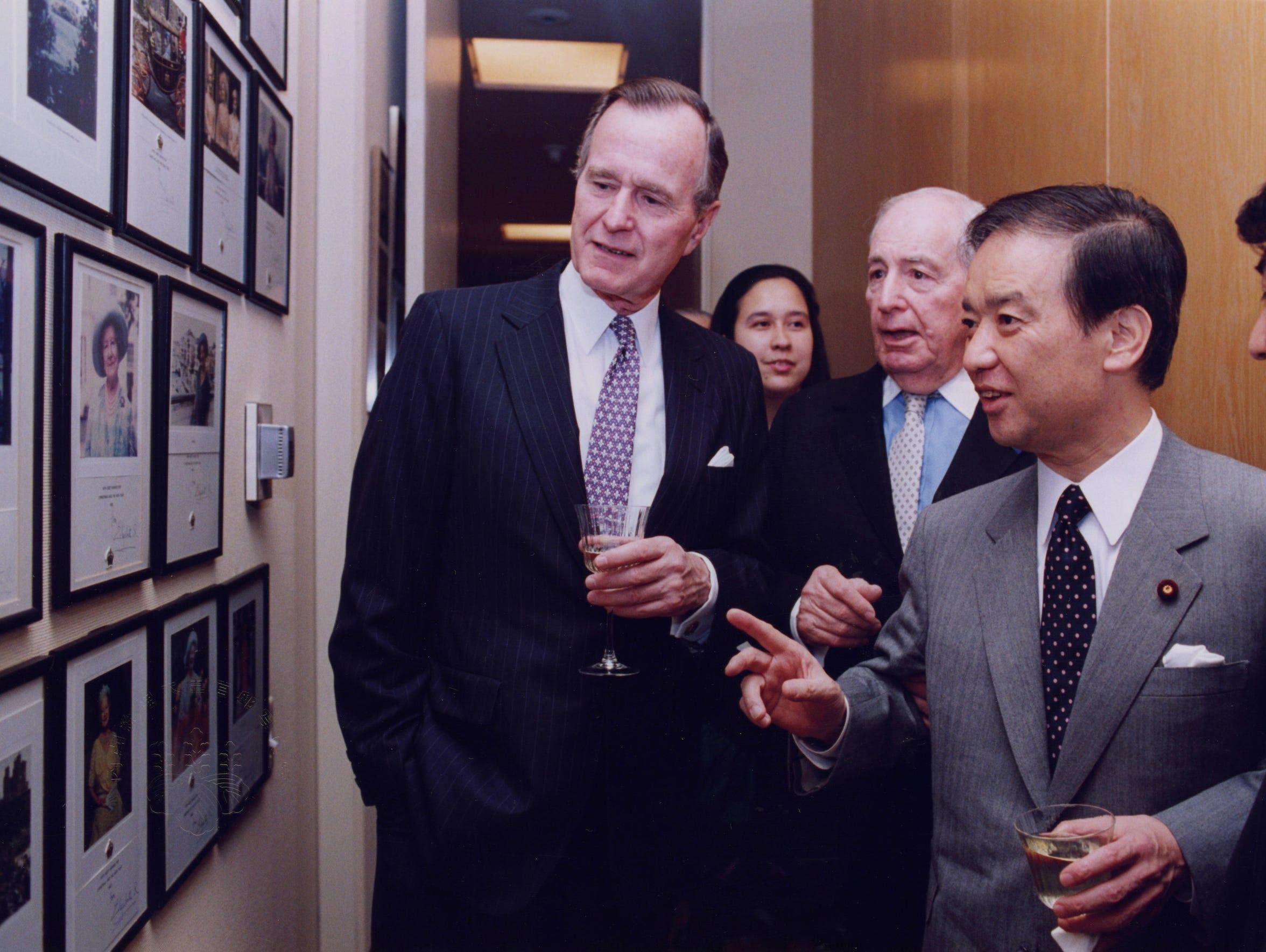 President Bush, Walter Annenber, and Prime Minister