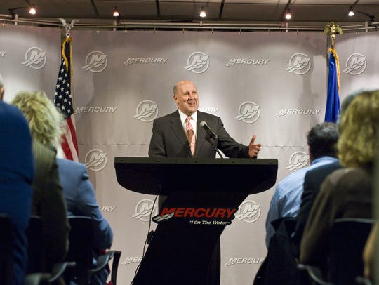 Former Gov. Jim Doyle speaks at Mercury Marine to thank