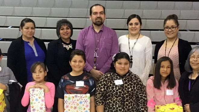 Columbus Elementary School held its annual Spanish Spelling Bee on Thursday, Feb. 16, at the school and announced the winners for 2017. The winners are, at bottom, from left, Adrian Molina, first; Jennifer Olivares, second; Aron Flores, third; Iridiam Rocha, fourth; and Dayanara Leanos, 5th. Judge Lourdes Espinoza is at far right. At top, from left, are judges Rosa Diaz, Glenda Sanchez, Principal Armando Chavez, Cynthia Araujo and Maribel Matildes.