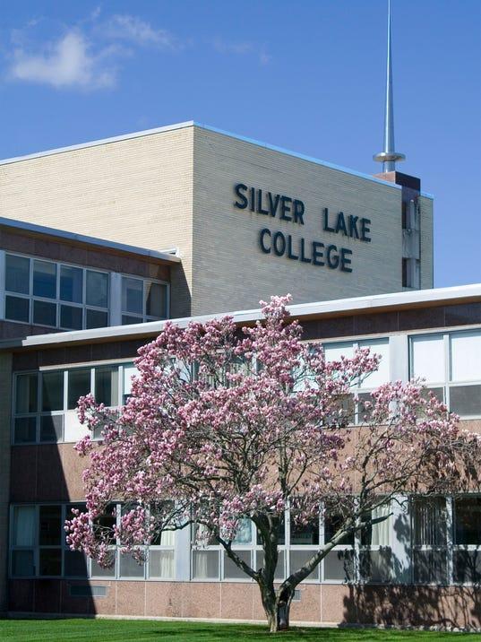 636277809782120212-Silver-Lake-College-2-.jpg
