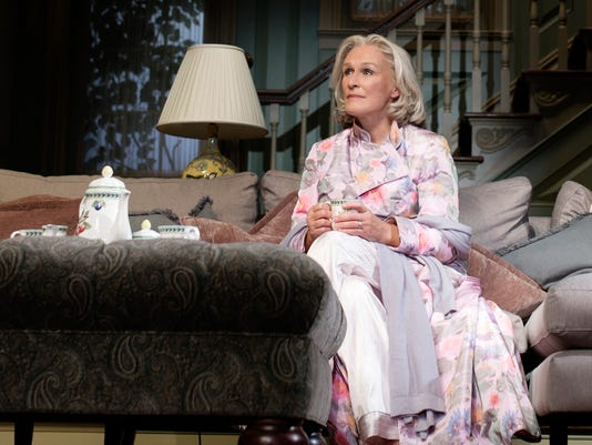 Theater-Glenn Close_Atzl.jpg