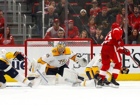 Predators_Red_Wings_Hockey_99125.jpg