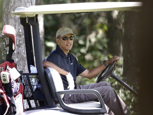 2014 405652901-Obama_Vacation_MASR106_WEB245507.jpg_20140821.jpg
