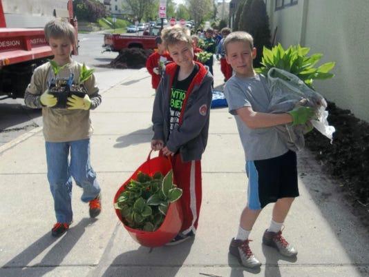 SLA 4th Grade Students Evan Behnke, Casey Hanson, Victor Spaeth.jpg