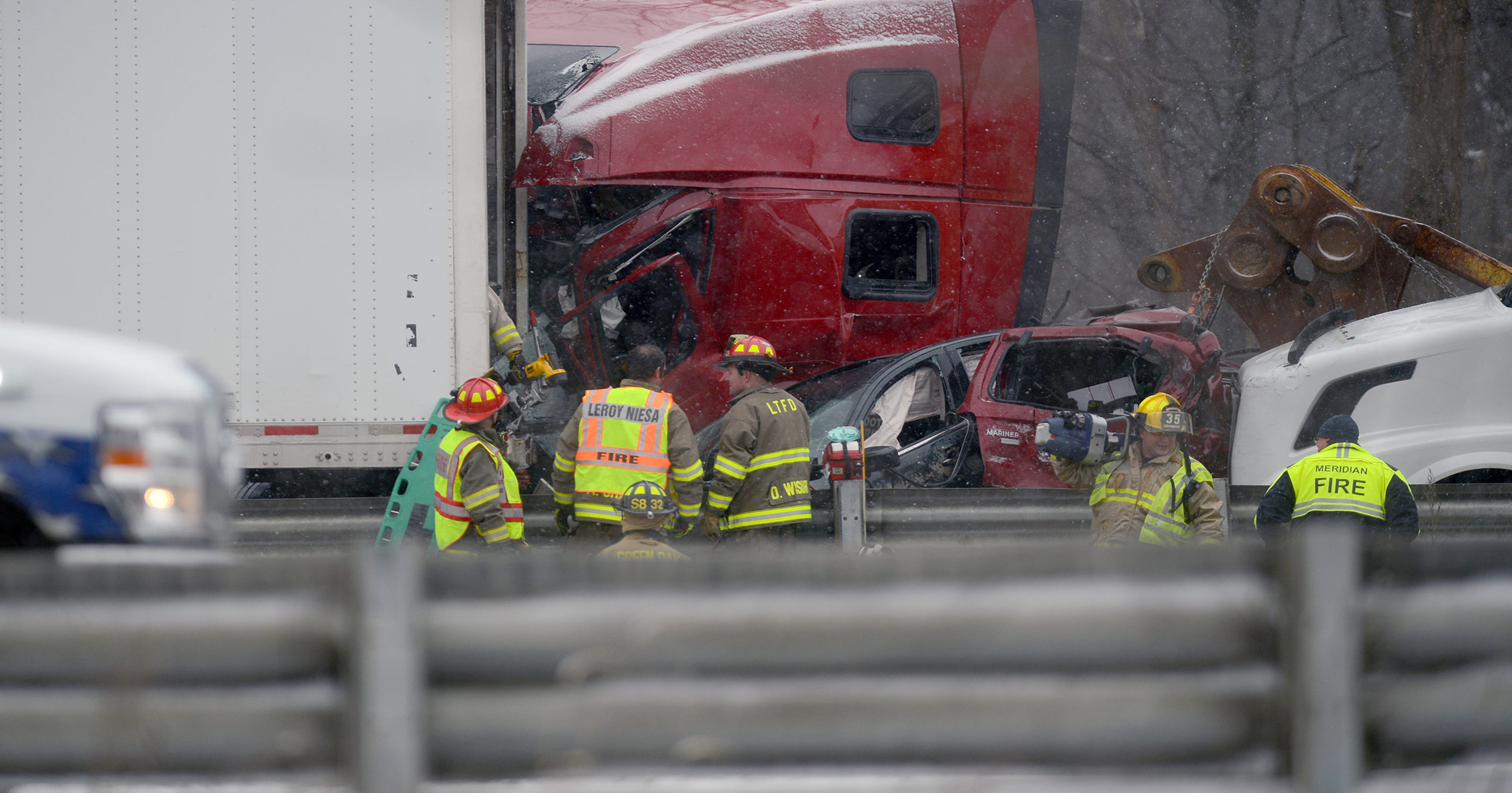 Video: Updates to multiple crashes on I-96