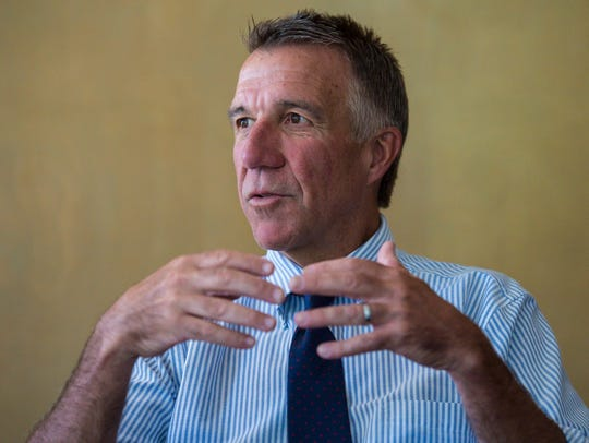 Republican candidate for governor Phil Scott visits