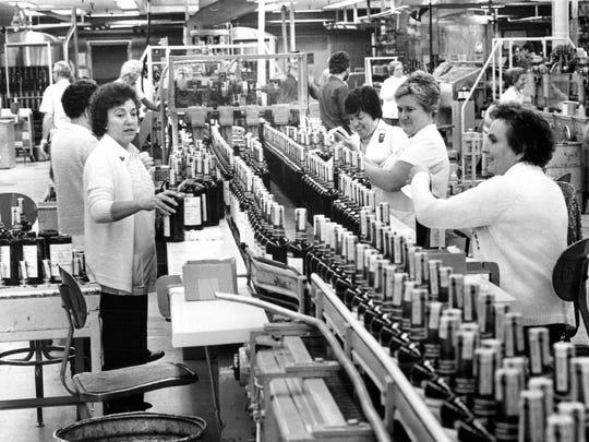 Walker Hiram distillery in Windsor, Ontario in 1978.