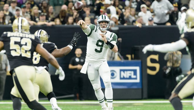 Jets quarterback Bryce Petty throws a pass as  the New Orleans Saints beat the New York Jets 31-19 in the Mercedes-Benz Superdome. Sunday, Dec. 17, 2017.