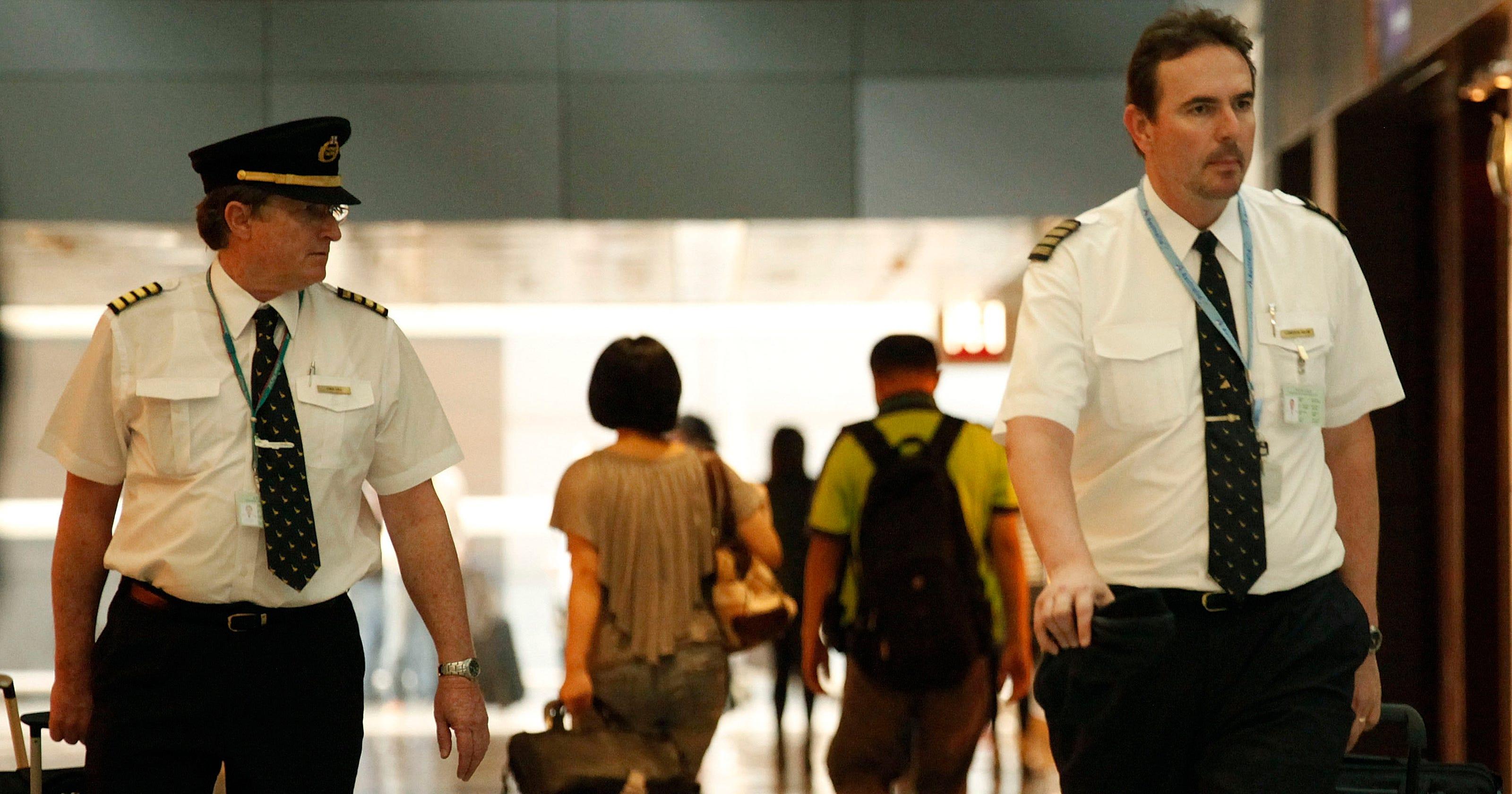Cockpit crisis: Regional airlines struggle to hire pilots