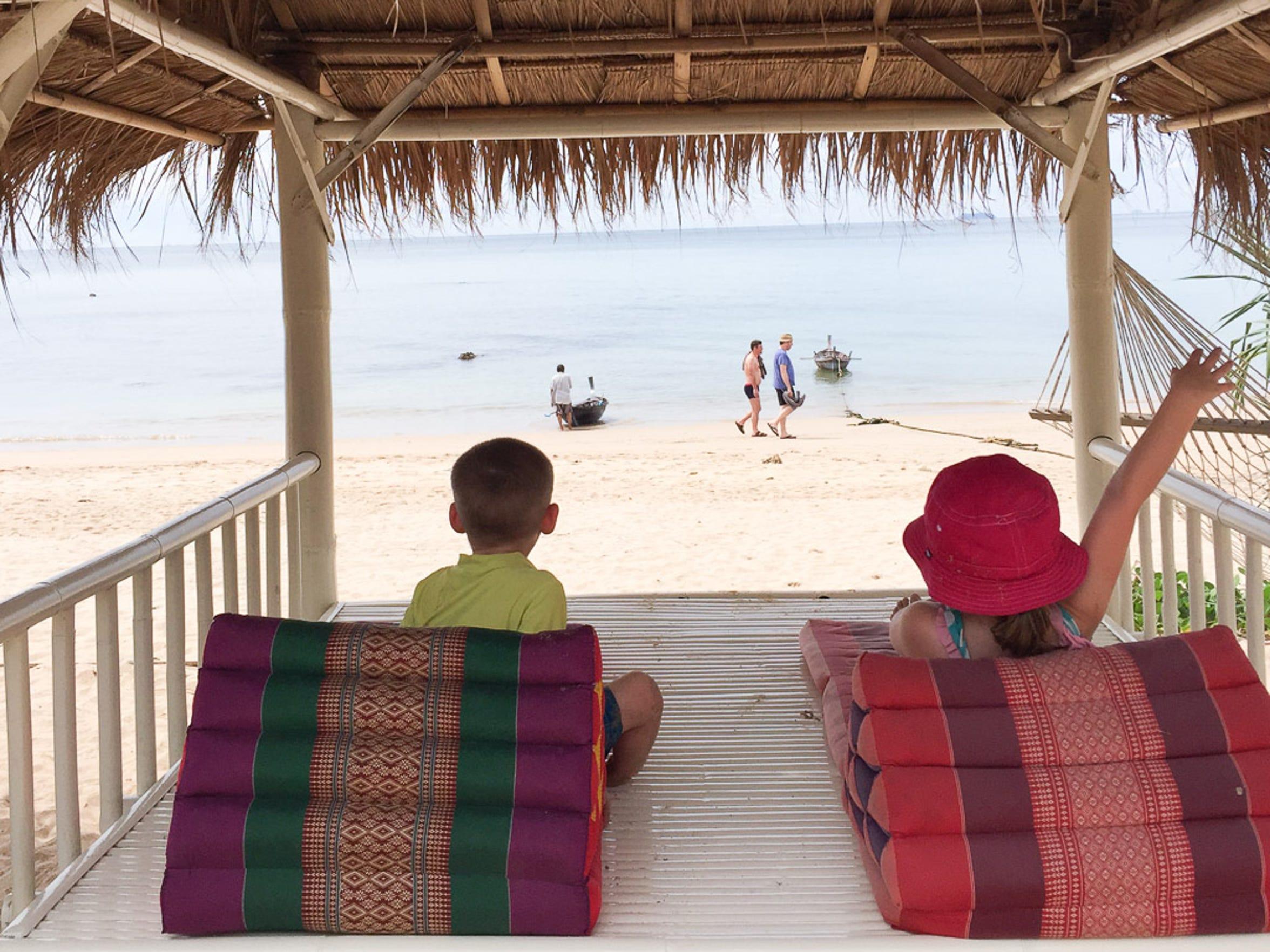 Harper and Walker Hughey adjust to island life in Ko