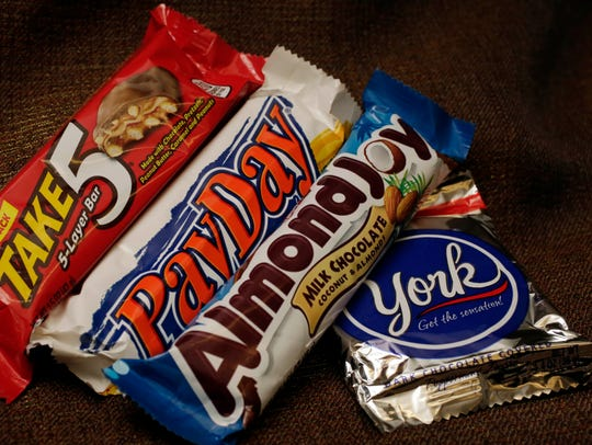 Want to make a Payday candy bar? Mix candy corn with salted peanuts.