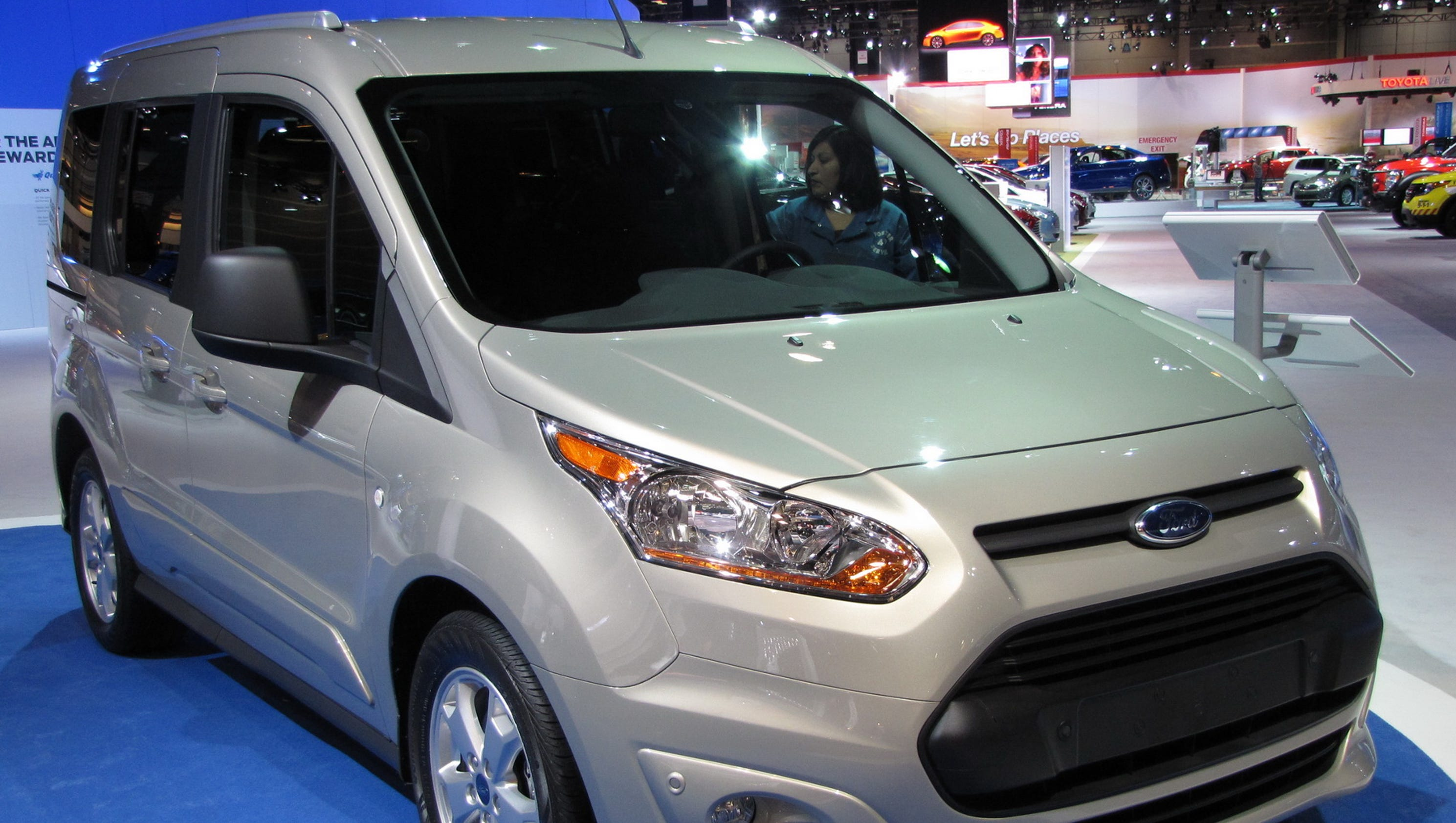 auto review 2017 ford transit connect cargo van has ideal efficiency. Black Bedroom Furniture Sets. Home Design Ideas
