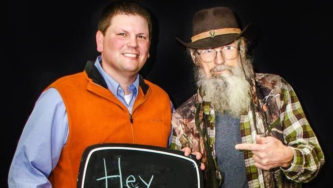 """Uncle Si from """"Duck Dynasty"""" greets Jackson"""