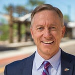 Mesa mayor encourages Flake to run for president, appears to call Trump an 'idiot'