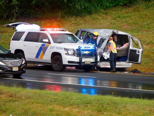 Police id 2 killed in parkway crash - Accident on garden state parkway north today ...
