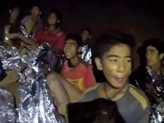 thai_caves