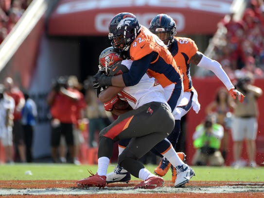 Tampa Bay Buccaneers running back Charles Sims (34)