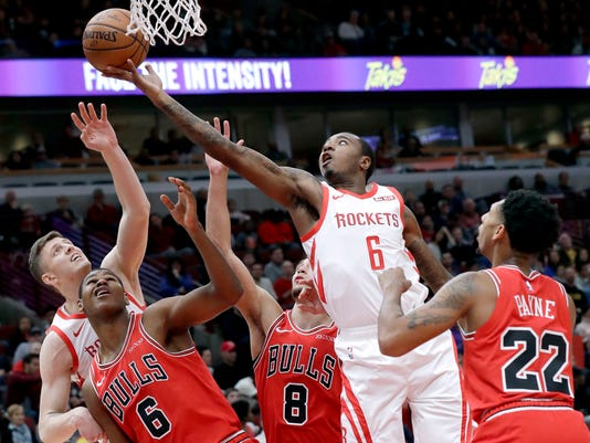 Rockets_Bulls_Basketball_72255.jpg