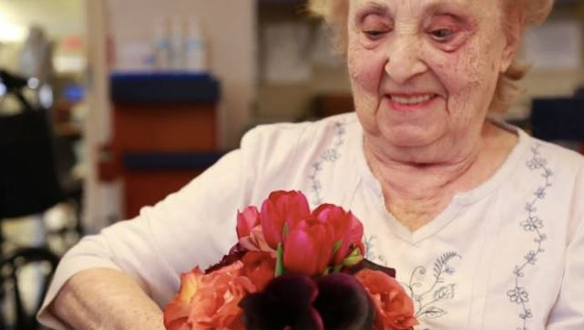 Repeat Roses helps place gently used flowers in the hands of those who might need a little beauty in their lives. Specifically, to people living in hospitals and nursing homes.