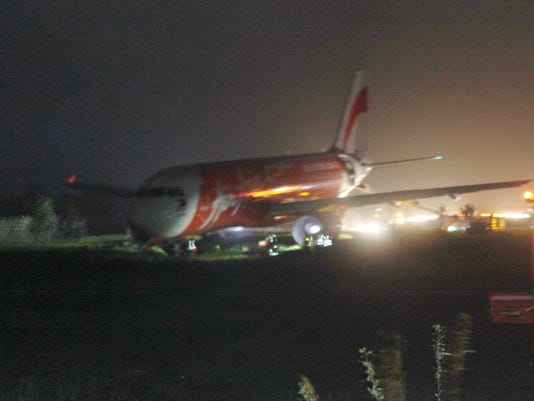 Philippines Plane Overshoots Runway