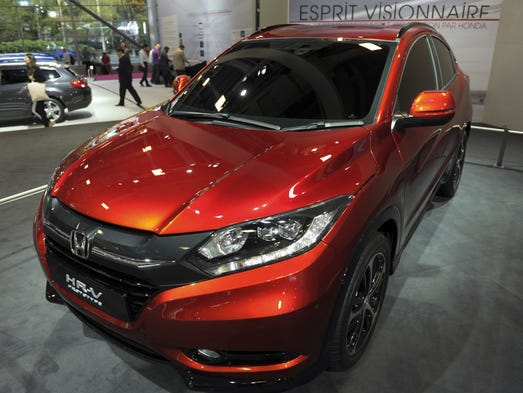honda trots out an actual hr v in paris. Black Bedroom Furniture Sets. Home Design Ideas