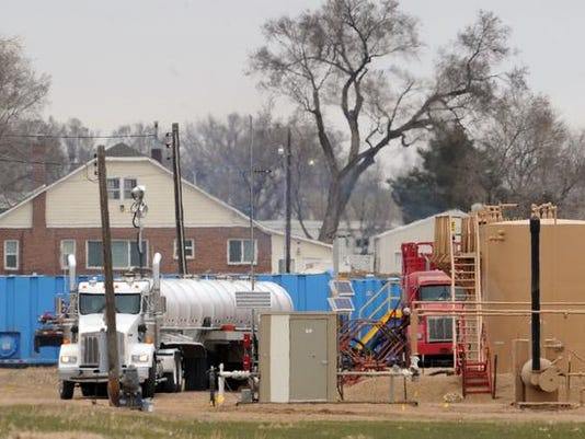 -FTCBrd_12-01-2012_Coloradoan_1_A002~~2012~11~30~IMG_-031012_fracking_4_l_1_.jpg