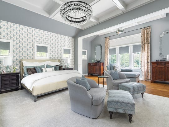 Master bedroom designed by Ruth Richards, Interiors