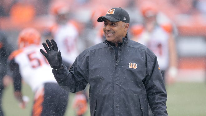 Cincinnati Bengals head coach Marvin Lewis reaffirmed his intention to return to the Bengals in 2017.