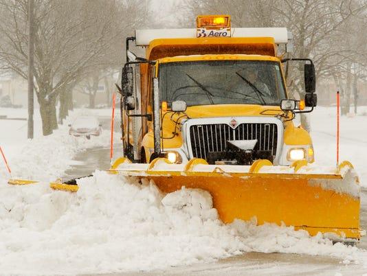 635899298740518834-Snowplow-Snowstorm.jpg