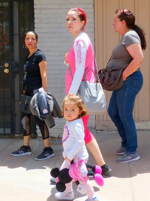 Weeks before Memorial Day, the sidewalks in midtown Ruidoso were filled with shoppers on the weekends.