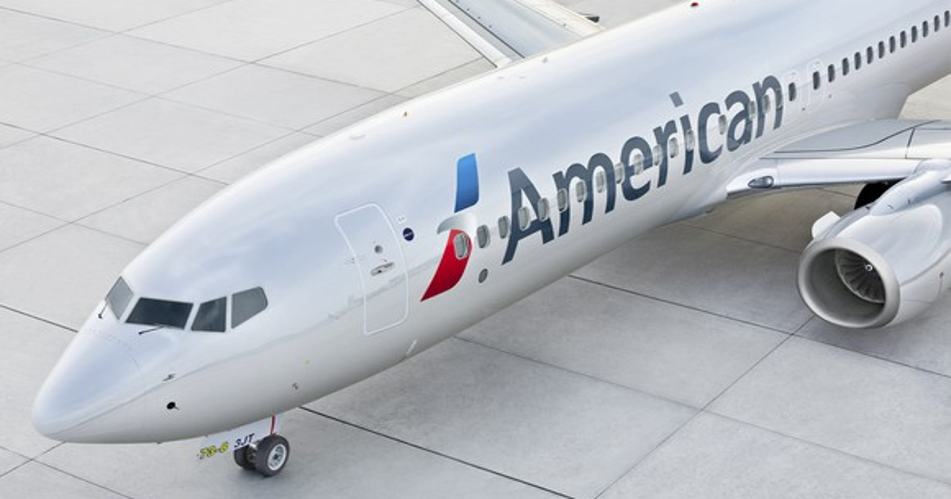 American Airlines Worker Stuck In Cargo Hold On Flight To