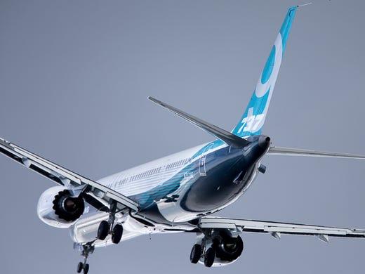 Paris Air Show: Boeing unveils a bigger 737
