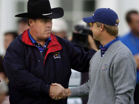 David Toms chats with American Captain Hal Sutton before