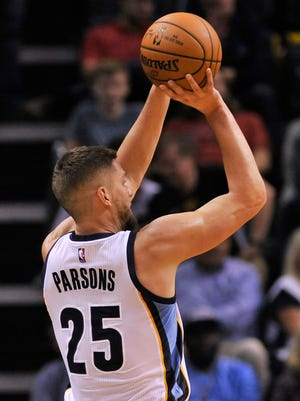 Memphis Grizzlies forward Chandler Parsons (25)