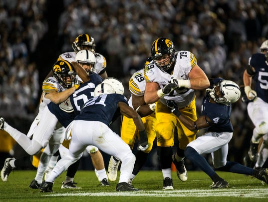 636264865789694993-Iowa-PSU-First-Half-11-5-16-001458.jpg