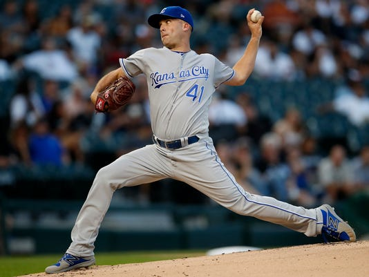 Kansas City Royals' Danny Duffy pitches against the Chicago White Sox during the first inning of a baseball game Saturday, Sept. 23, 2017, in Chicago. (AP Photo/Jim Young)