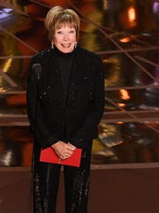Shirley MacLaine looked elegant at the Oscars, and