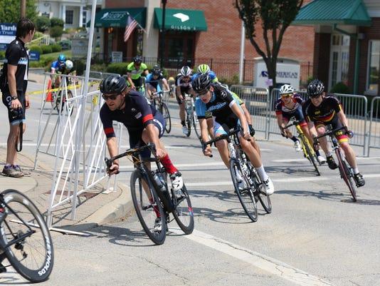 636326163322682490-MadeiraCyclists.JPG