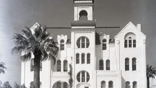 The Moorish-style Aransas County Courthouse in Rockport, built in 1890, was designed by architect J. Riely Gordon and was much admired by residents and visitors alike. It was torn down in 1956.