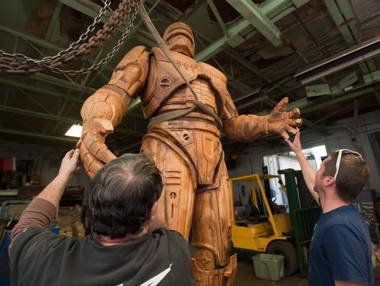 636608616100176699-robocop-statue.jpg