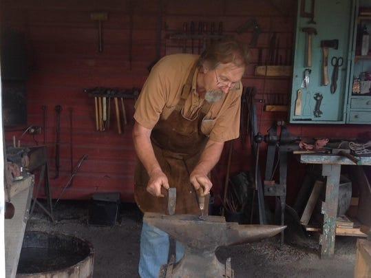 dcn 0705 dchs Blacksmith Larry Stuth