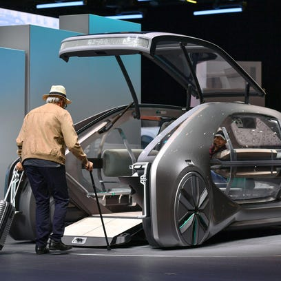 Detroit auto show news the detroit news french automaker renault unveiled its futuristic and fandeluxe Choice Image