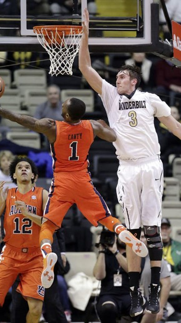 Auburn guard Kareem Canty (1) drives against Vanderbilt