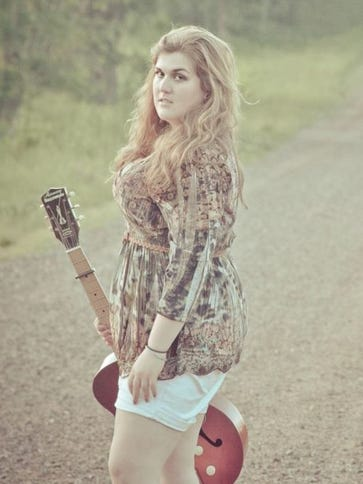 Rachel Hanson will open the evening for Boomin' Brewery