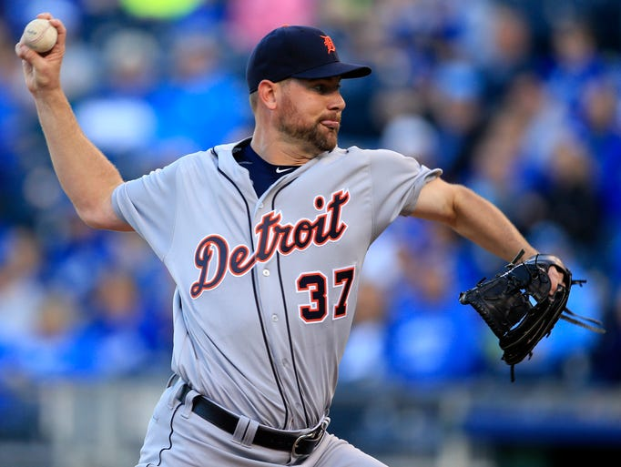 Mike Pelfrey (0-4, 4.64) starts against the Twins Sunday.