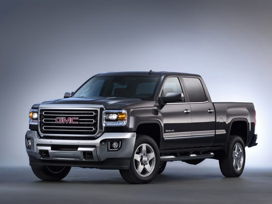 The 2015 GMC Sierra 2500 features an exterior designed to reduce wind noise and enhance powertrain cooling for more consistent performance.  Customers can chose from gasoline, CNG or diesel power, including the legendary Duramax turbodiesel and Allison transmission.