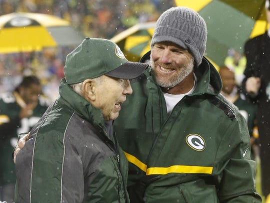 Bart Starr has 152 fewer touchdown passes than Brett