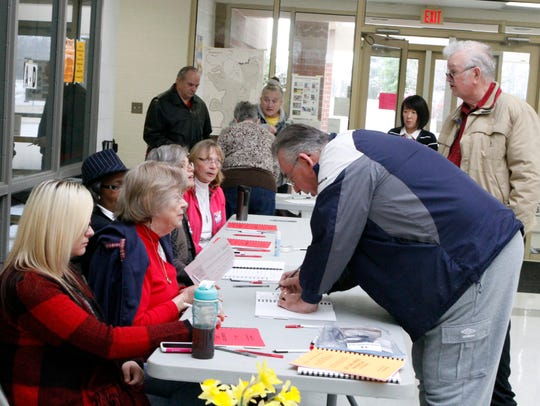 Clyde Smothers (R) was at Glenellen School Tuesday
