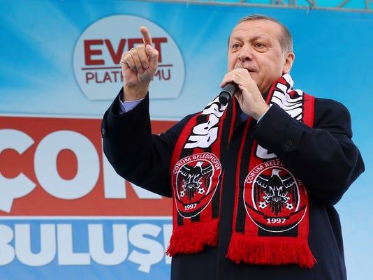 AP TURKEY REFERENDUM I TUR